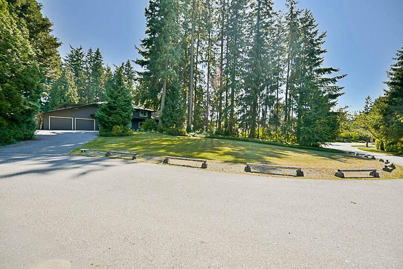 Detached at 13432 25 AVENUE, South Surrey White Rock, British Columbia. Image 1