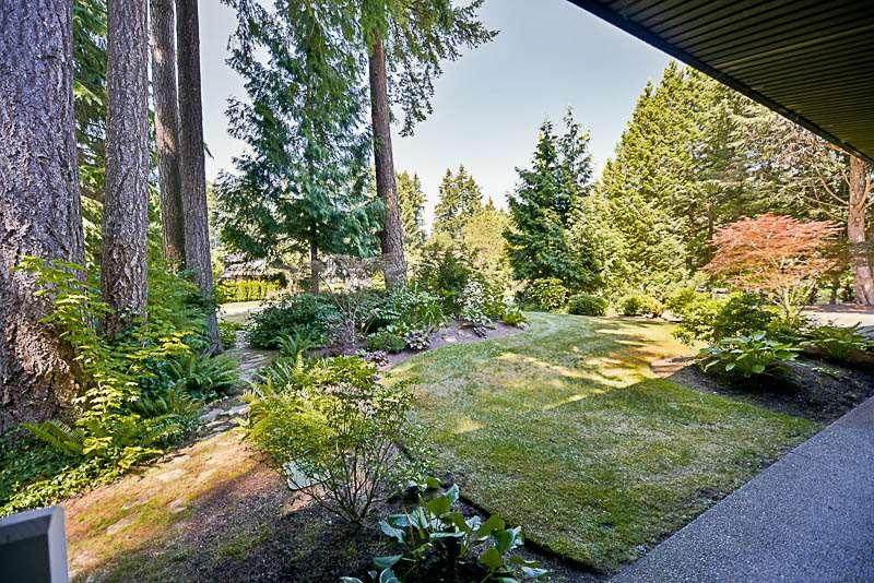 Detached at 13432 25 AVENUE, South Surrey White Rock, British Columbia. Image 5