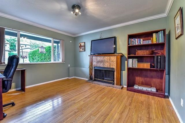 Detached at 26537 30A AVENUE, Langley, British Columbia. Image 5
