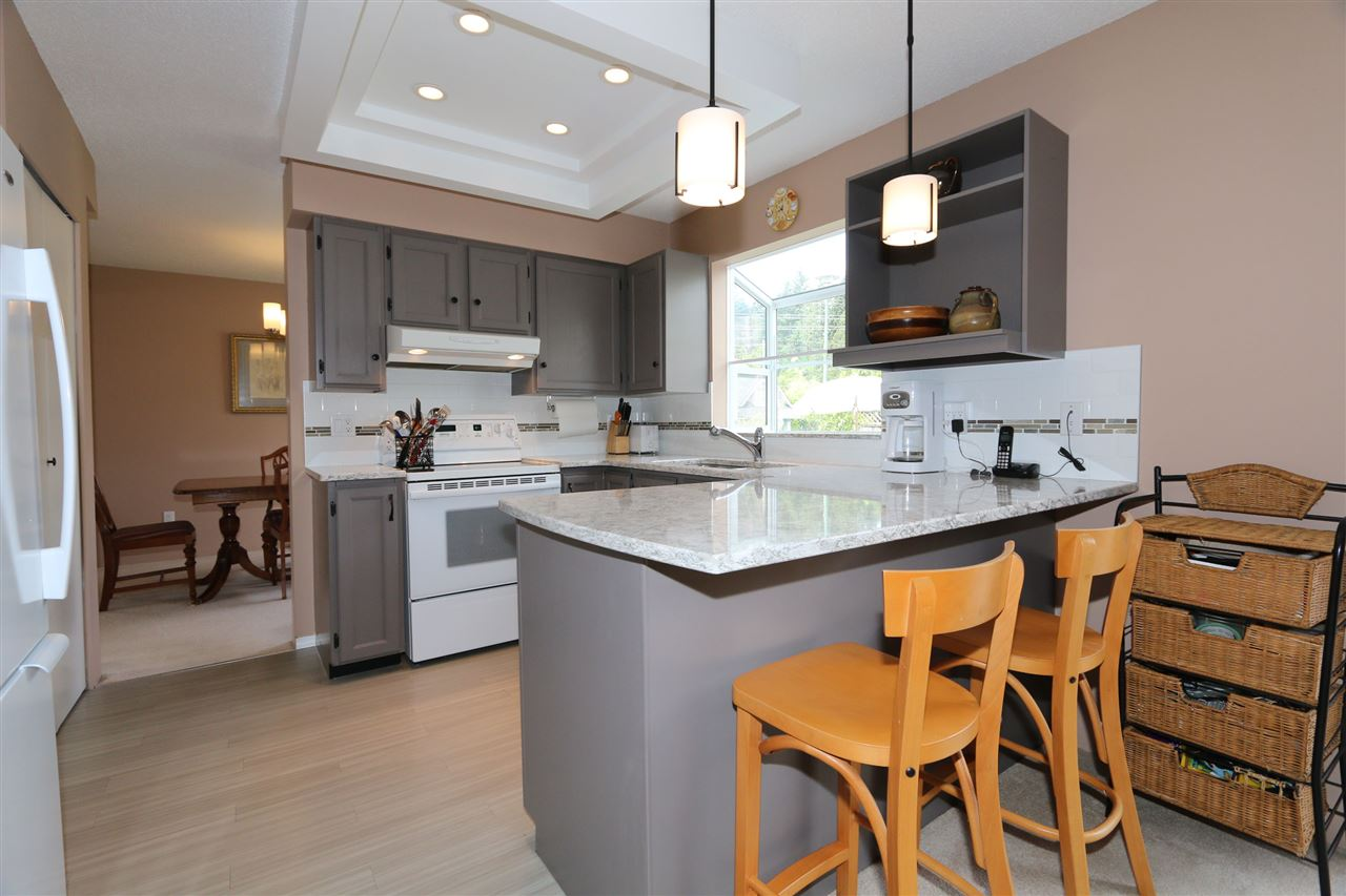 Detached at 2818 WESTLAKE DRIVE, Coquitlam, British Columbia. Image 6