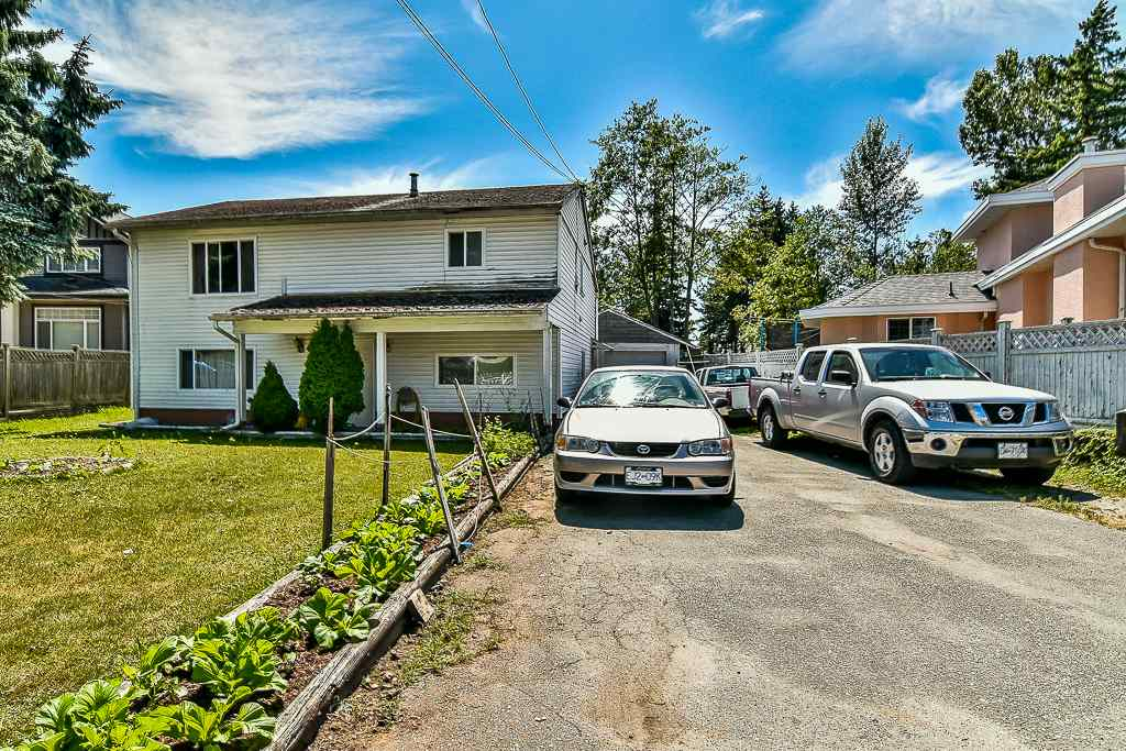 Detached at 13074 OLD YALE ROAD, North Surrey, British Columbia. Image 3