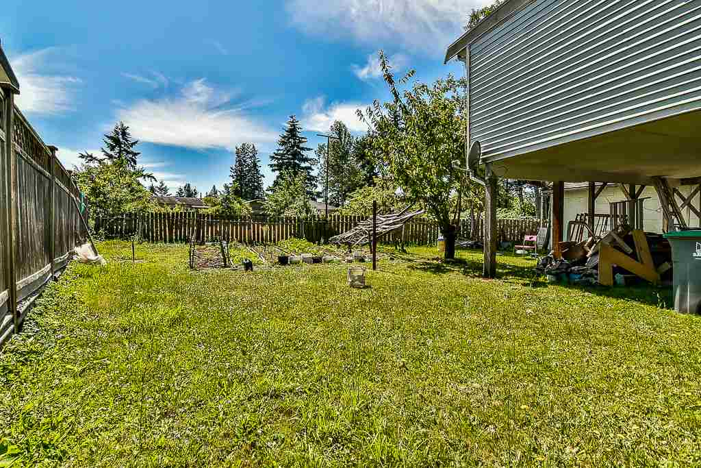 Detached at 13074 OLD YALE ROAD, North Surrey, British Columbia. Image 5