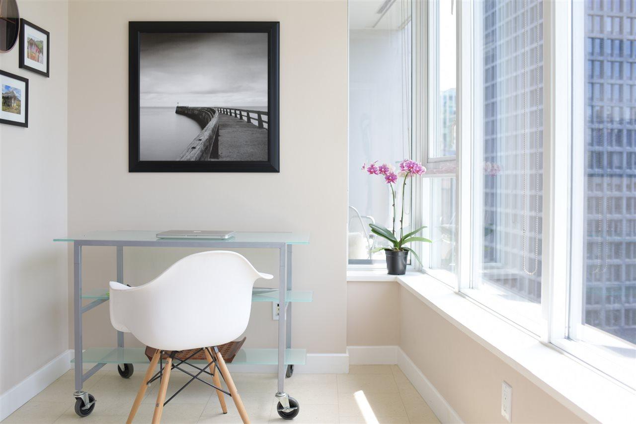 Condo Apartment at 2004 1233 W CORDOVA STREET, Unit 2004, Vancouver West, British Columbia. Image 11