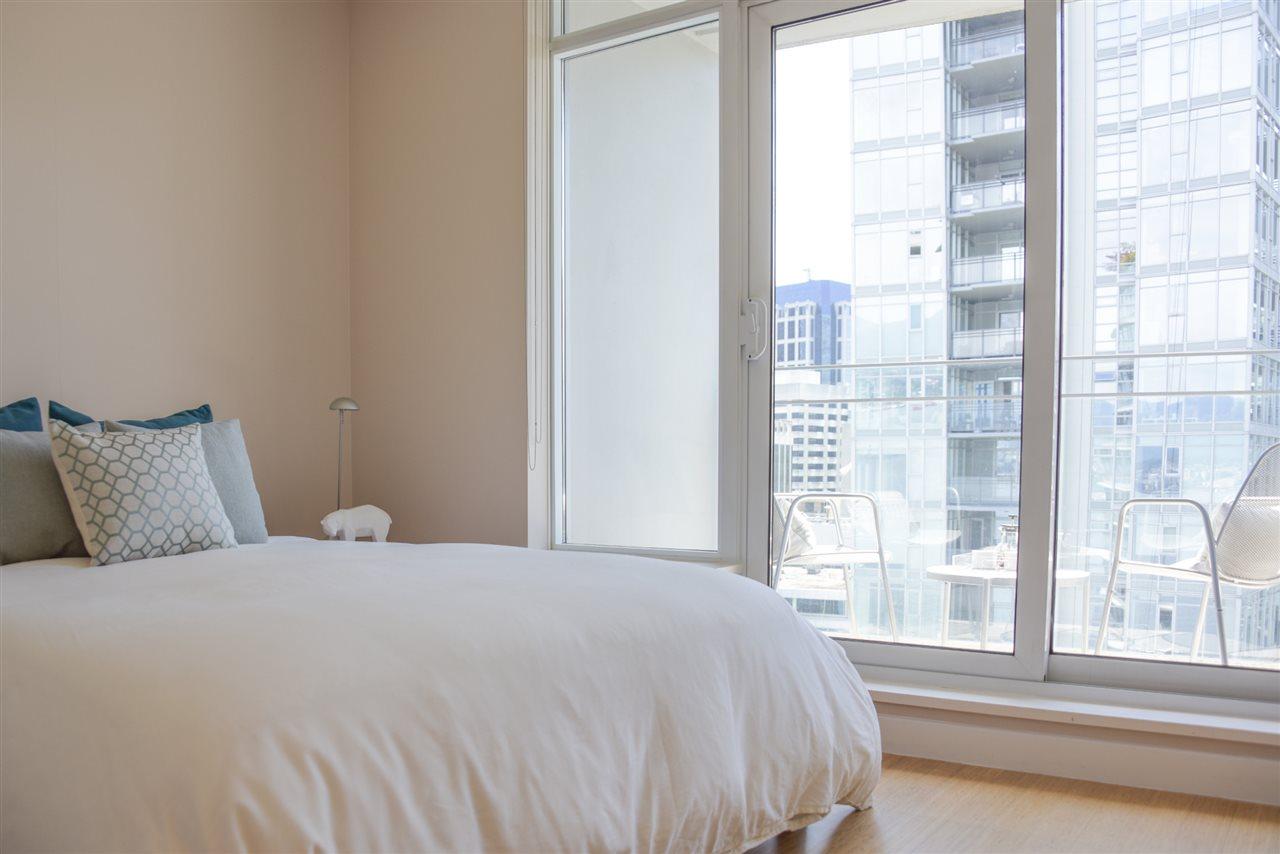 Condo Apartment at 2004 1233 W CORDOVA STREET, Unit 2004, Vancouver West, British Columbia. Image 14