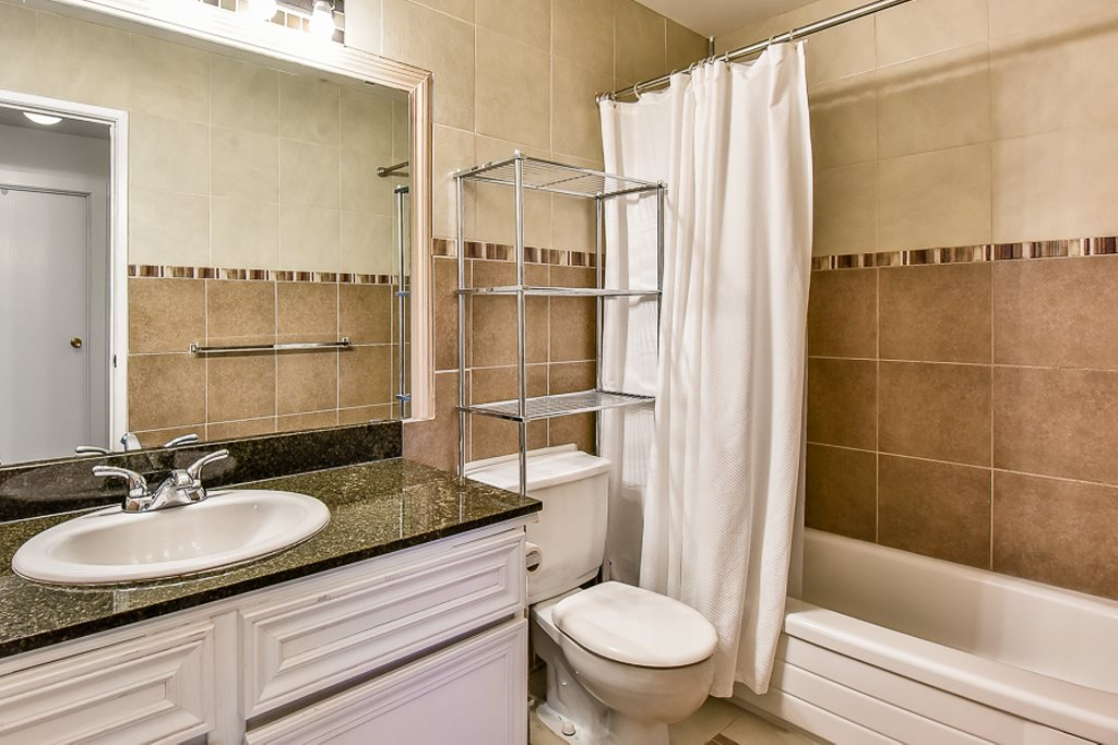 Townhouse at 256 9452 PRINCE CHARLES BLV BOULEVARD, Unit 256, Surrey, British Columbia. Image 10