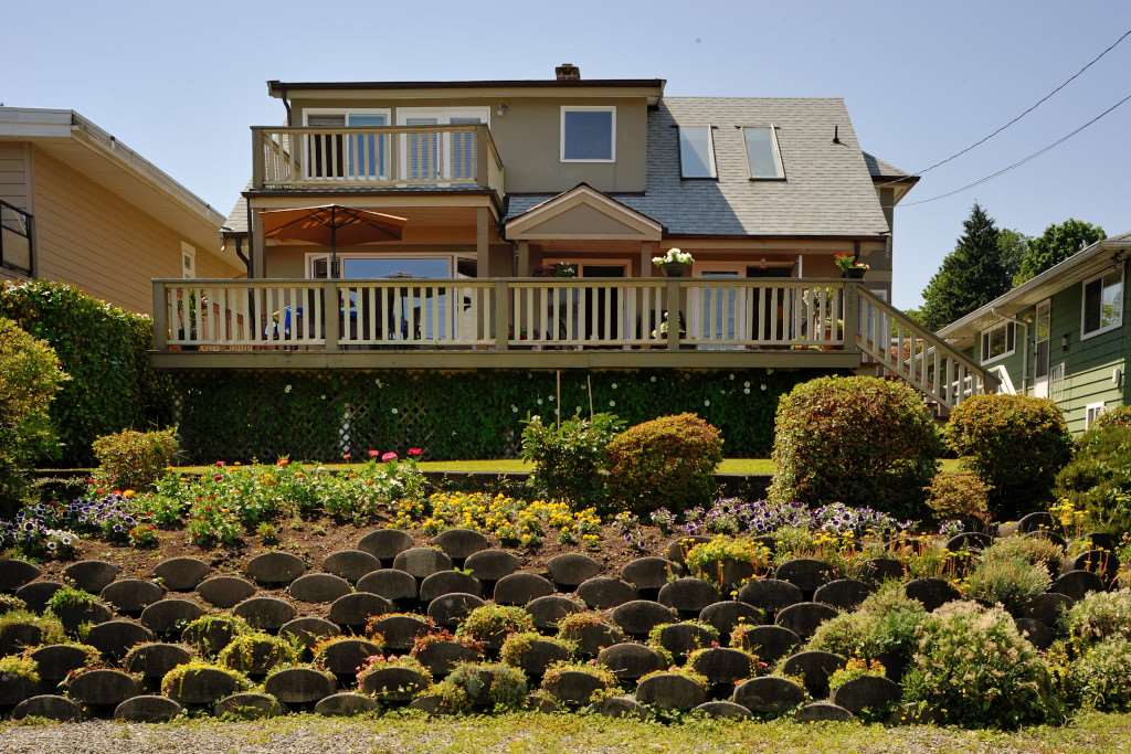 Detached at 351 BEACHVIEW DRIVE, North Vancouver, British Columbia. Image 2