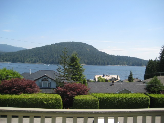 Detached at 351 BEACHVIEW DRIVE, North Vancouver, British Columbia. Image 13