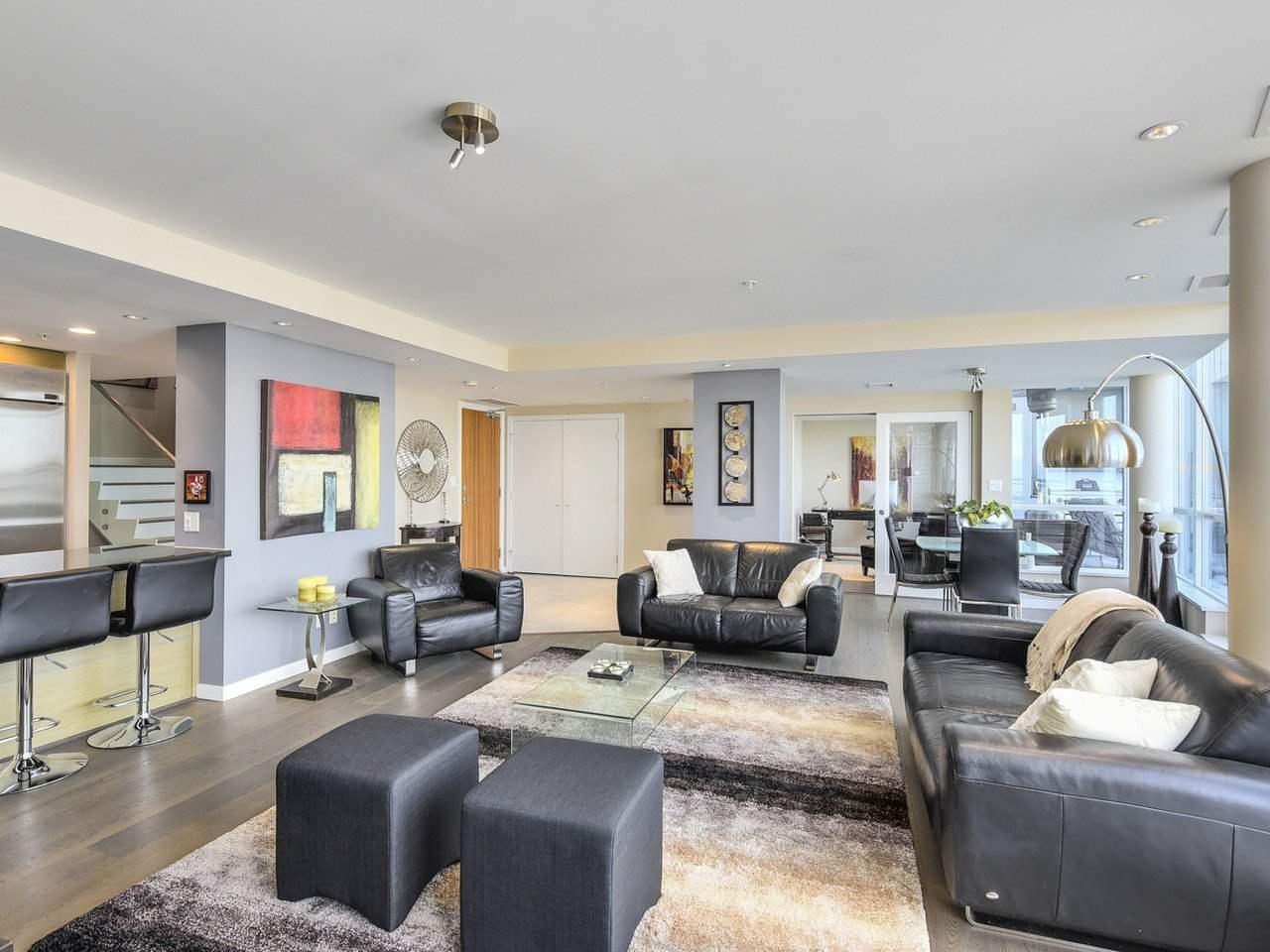 Condo Apartment at PH3 833 SEYMOUR STREET, Unit PH3, Vancouver West, British Columbia. Image 5