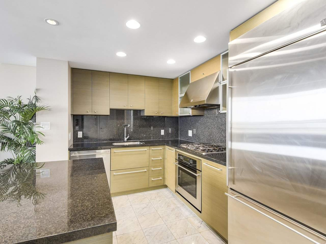 Condo Apartment at PH3 833 SEYMOUR STREET, Unit PH3, Vancouver West, British Columbia. Image 7