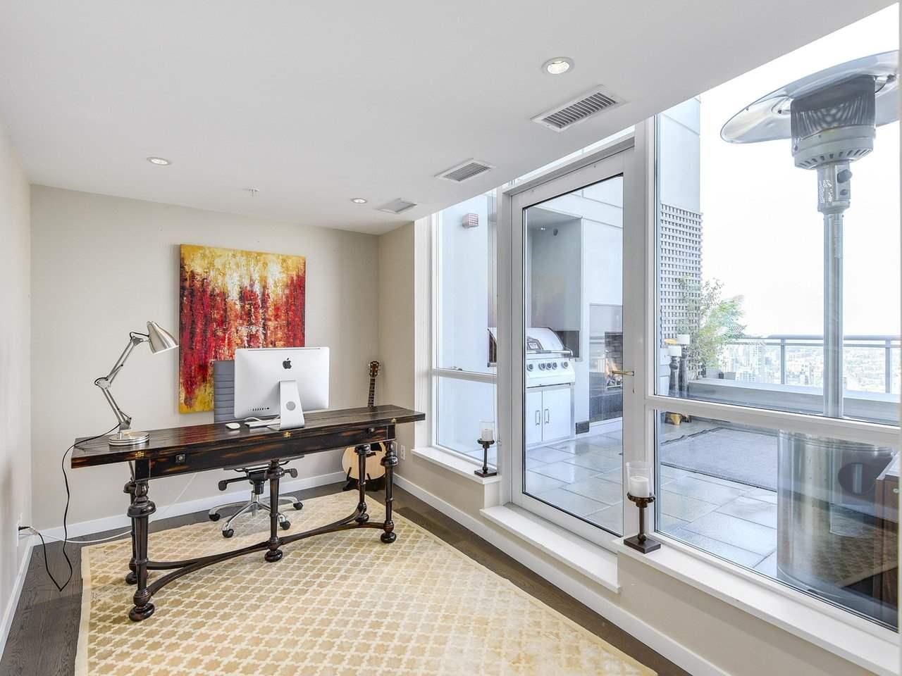 Condo Apartment at PH3 833 SEYMOUR STREET, Unit PH3, Vancouver West, British Columbia. Image 8