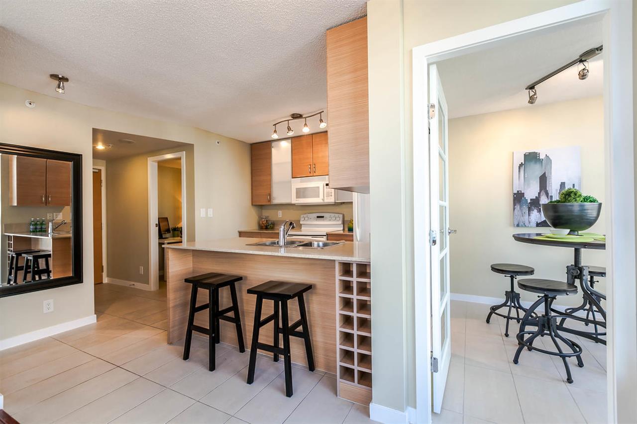 Condo Apartment at 1106 928 HOMER STREET, Unit 1106, Vancouver West, British Columbia. Image 5