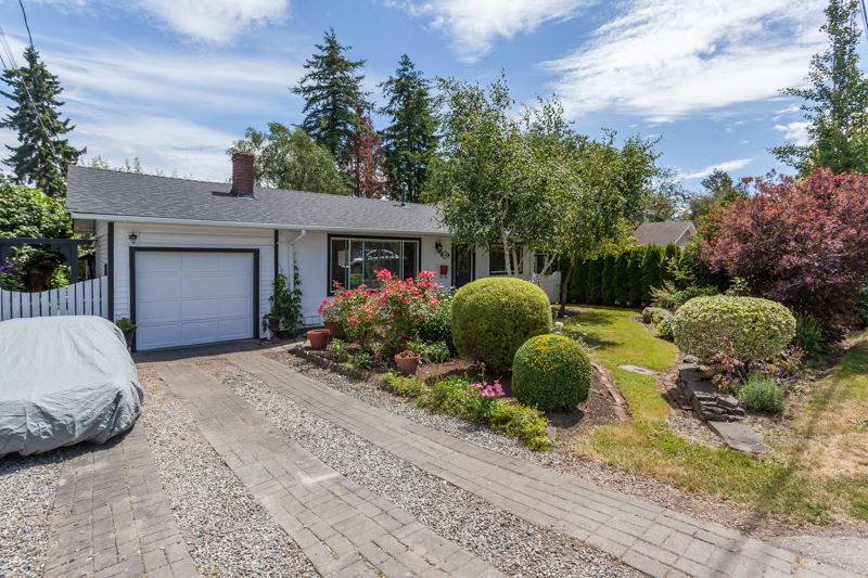 Detached at 1350 MAPLE STREET, South Surrey White Rock, British Columbia. Image 1