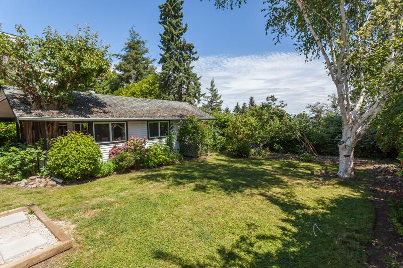 Detached at 1350 MAPLE STREET, South Surrey White Rock, British Columbia. Image 17