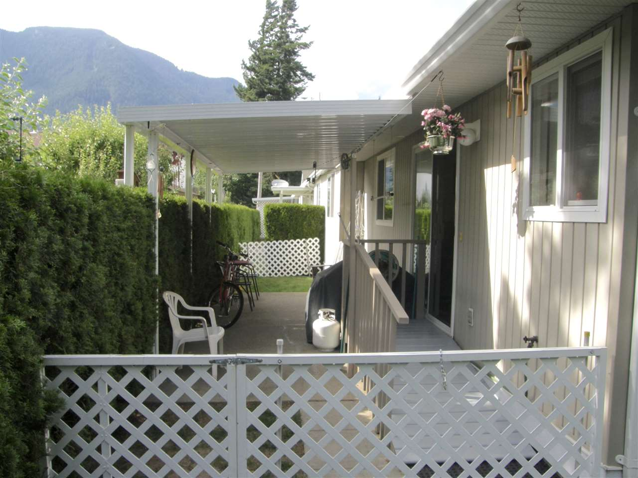Townhouse at 3 530 COQUIHALLA STREET, Unit 3, Hope, British Columbia. Image 11