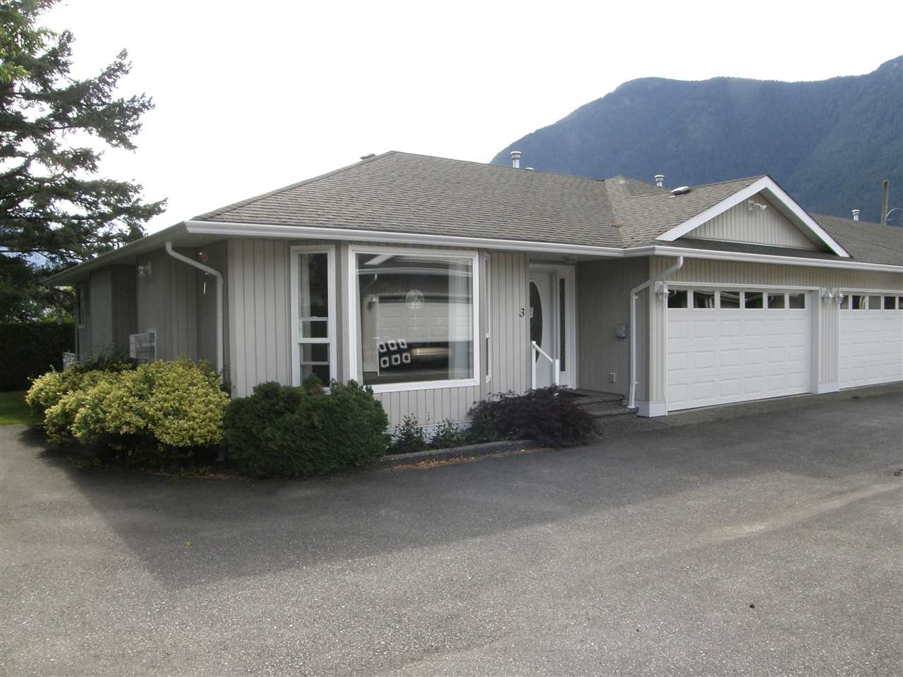 Townhouse at 3 530 COQUIHALLA STREET, Unit 3, Hope, British Columbia. Image 15
