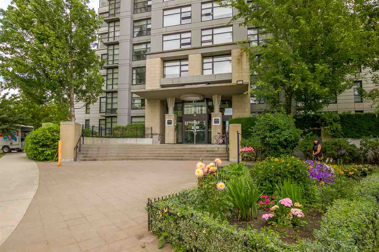 Condo Apartment at 709 5380 OBEN STREET, Unit 709, Vancouver East, British Columbia. Image 2