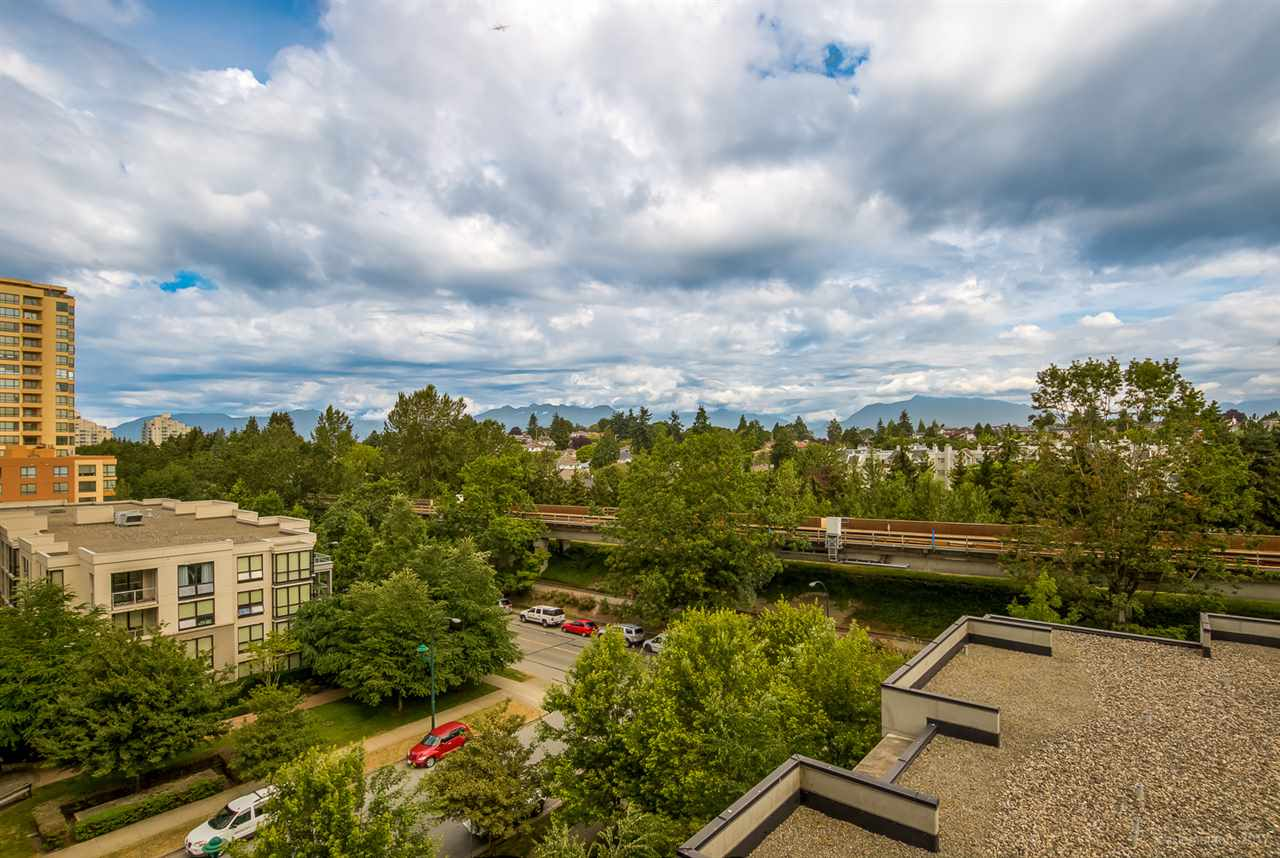 Condo Apartment at 709 5380 OBEN STREET, Unit 709, Vancouver East, British Columbia. Image 3