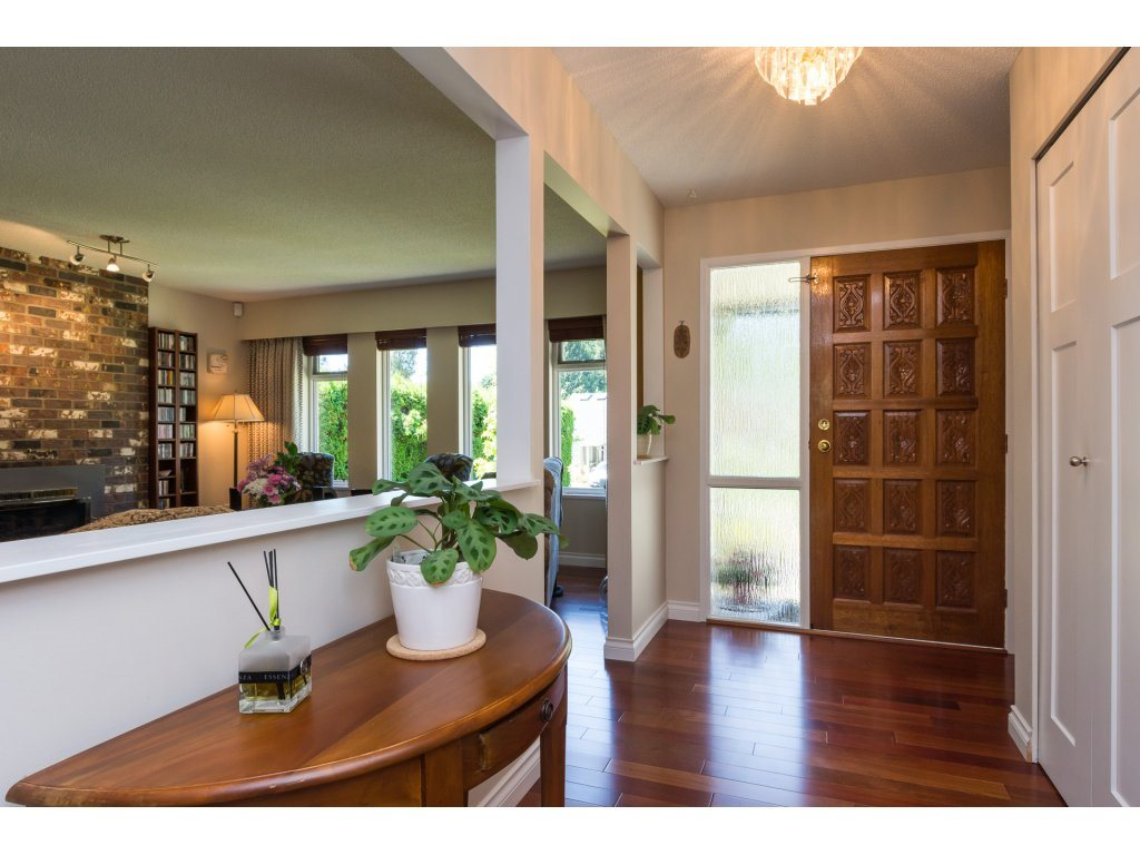 Detached at 2422 123A STREET, South Surrey White Rock, British Columbia. Image 3