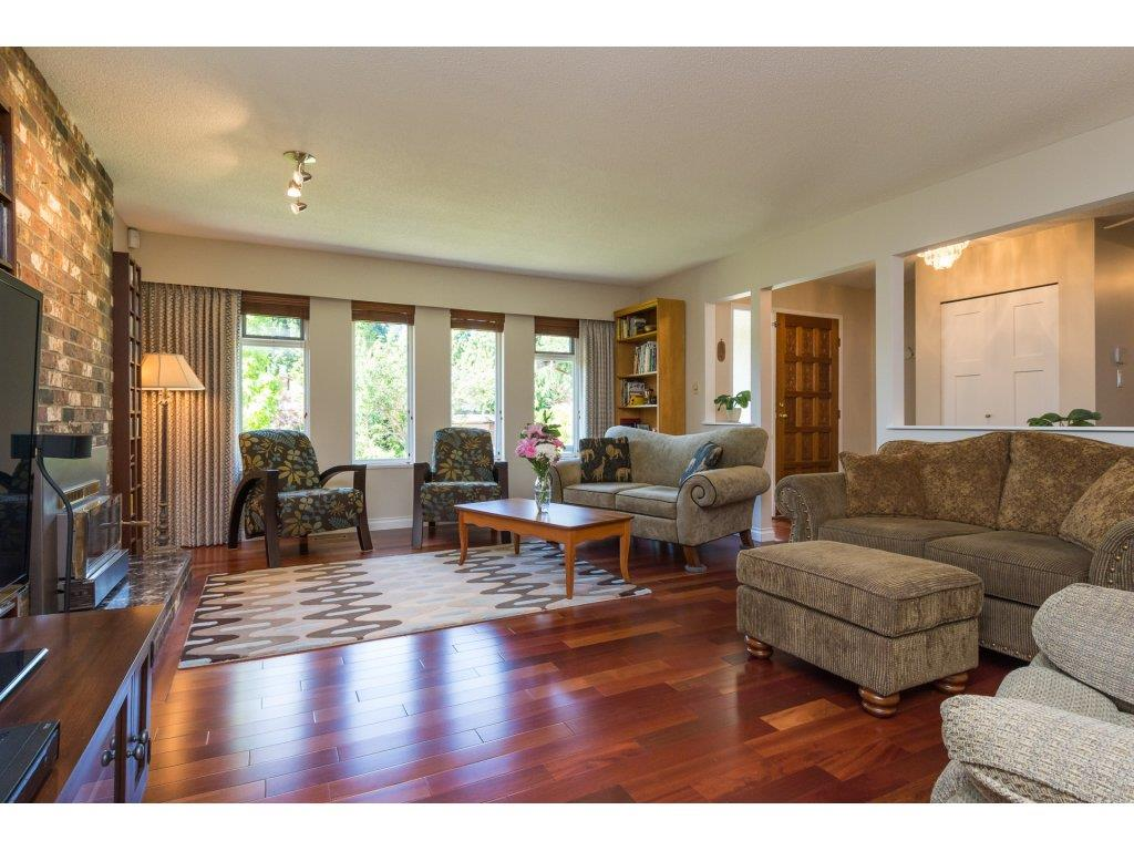 Detached at 2422 123A STREET, South Surrey White Rock, British Columbia. Image 4