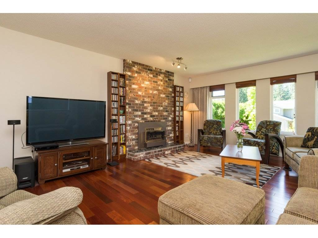 Detached at 2422 123A STREET, South Surrey White Rock, British Columbia. Image 5