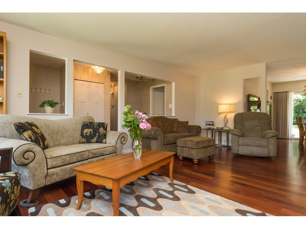 Detached at 2422 123A STREET, South Surrey White Rock, British Columbia. Image 7