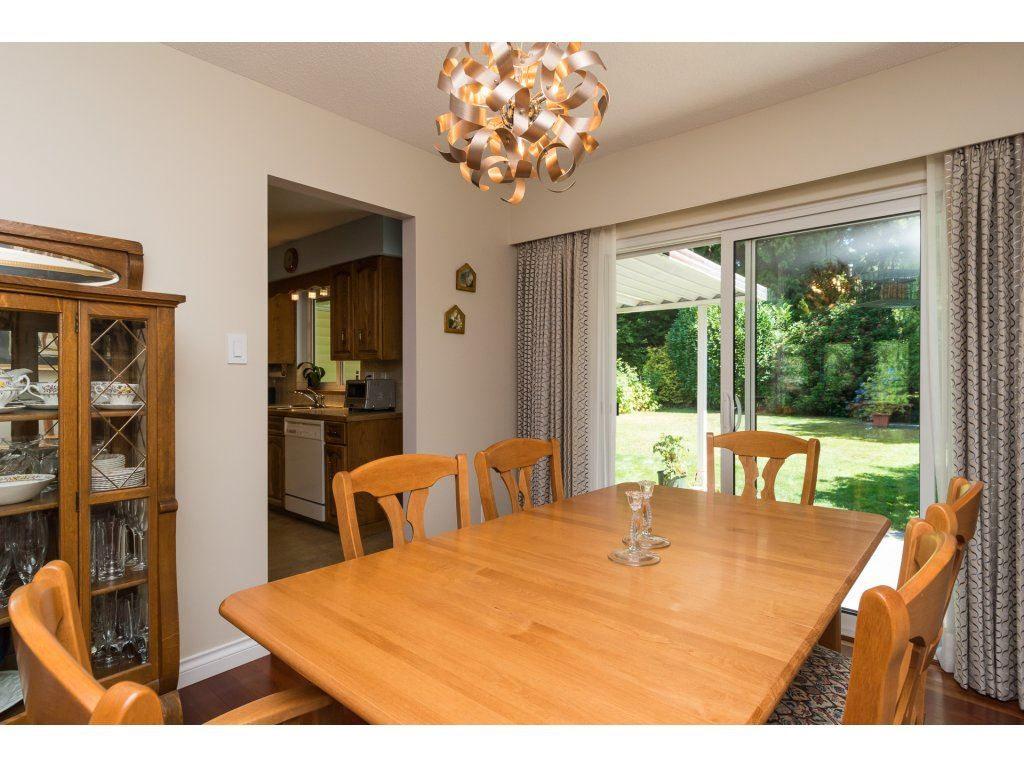 Detached at 2422 123A STREET, South Surrey White Rock, British Columbia. Image 9