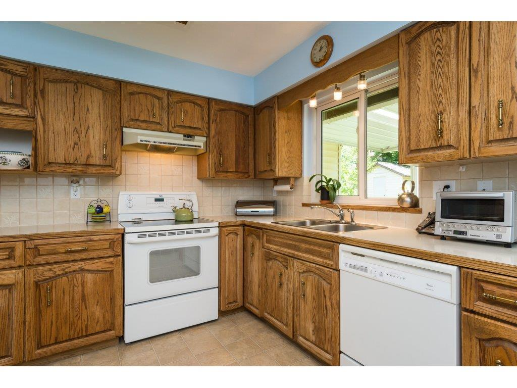 Detached at 2422 123A STREET, South Surrey White Rock, British Columbia. Image 11