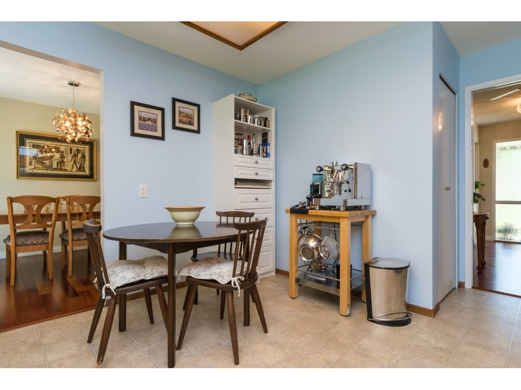 Detached at 2422 123A STREET, South Surrey White Rock, British Columbia. Image 12