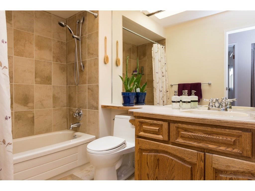 Detached at 2422 123A STREET, South Surrey White Rock, British Columbia. Image 15