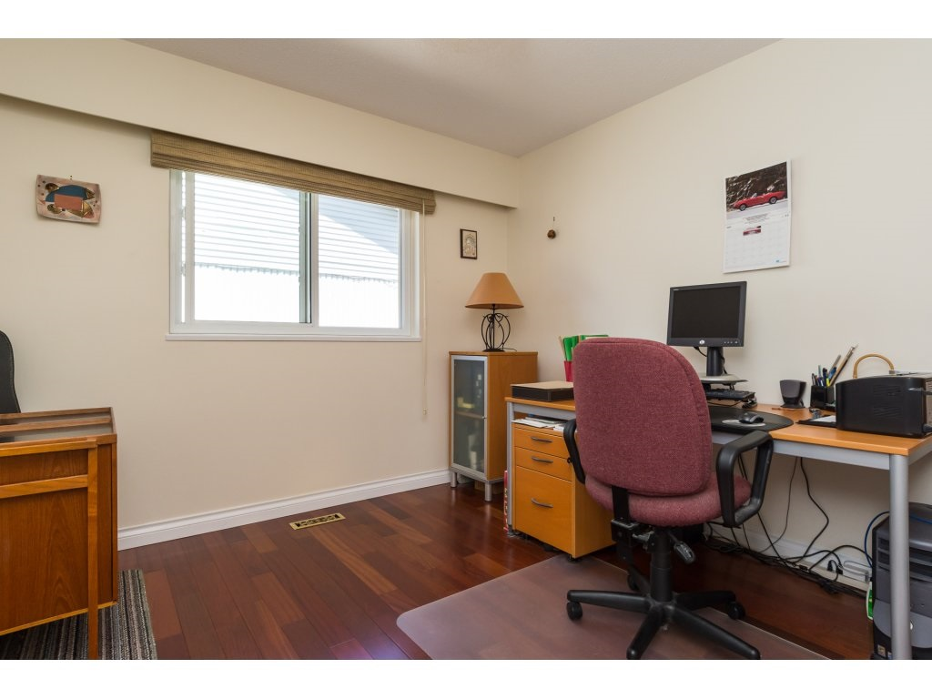 Detached at 2422 123A STREET, South Surrey White Rock, British Columbia. Image 16