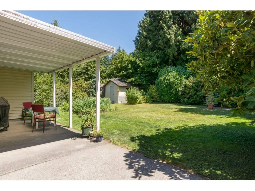 Detached at 2422 123A STREET, South Surrey White Rock, British Columbia. Image 19