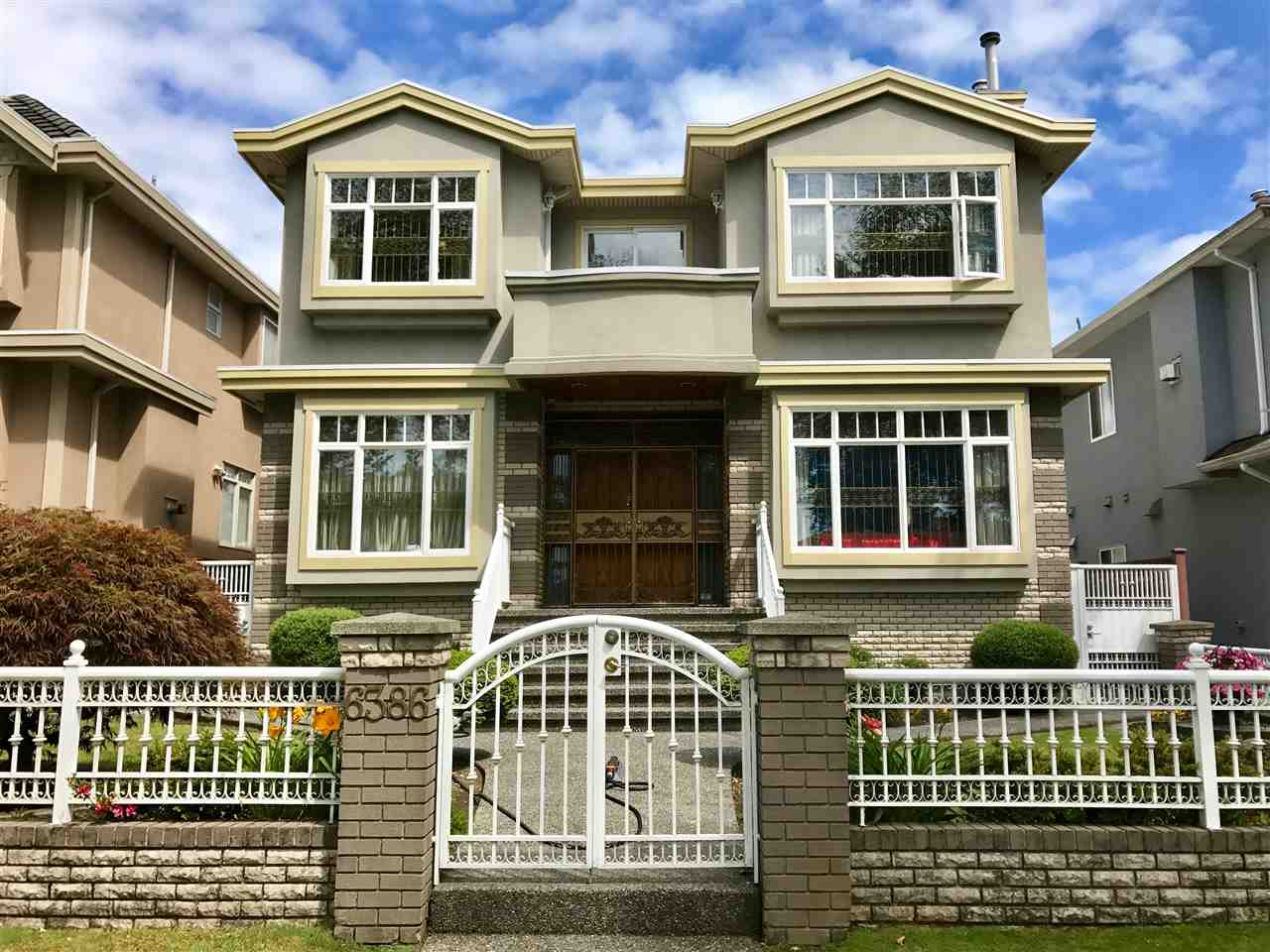 Detached at 6386 BROOKS STREET, Vancouver East, British Columbia. Image 1