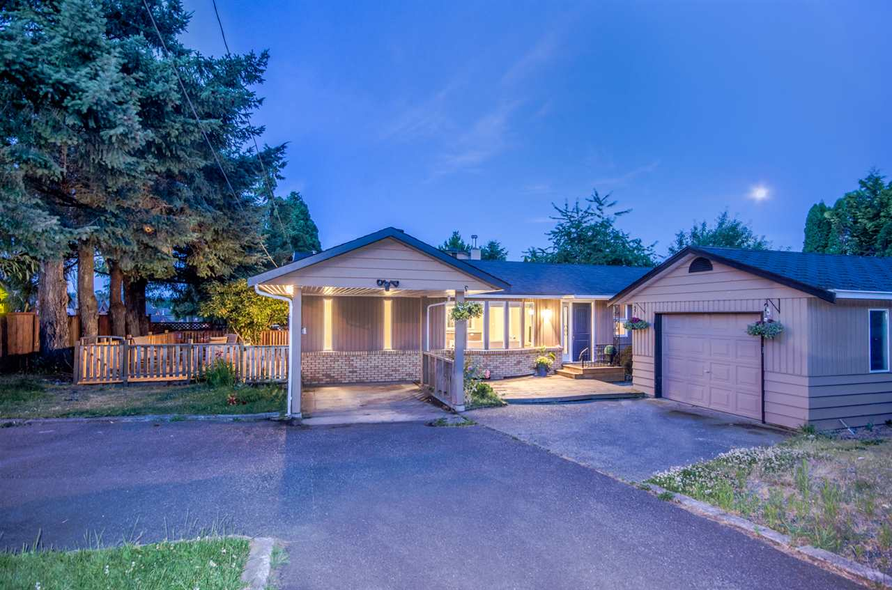 Detached at 19606 68 AVENUE, Langley, British Columbia. Image 17
