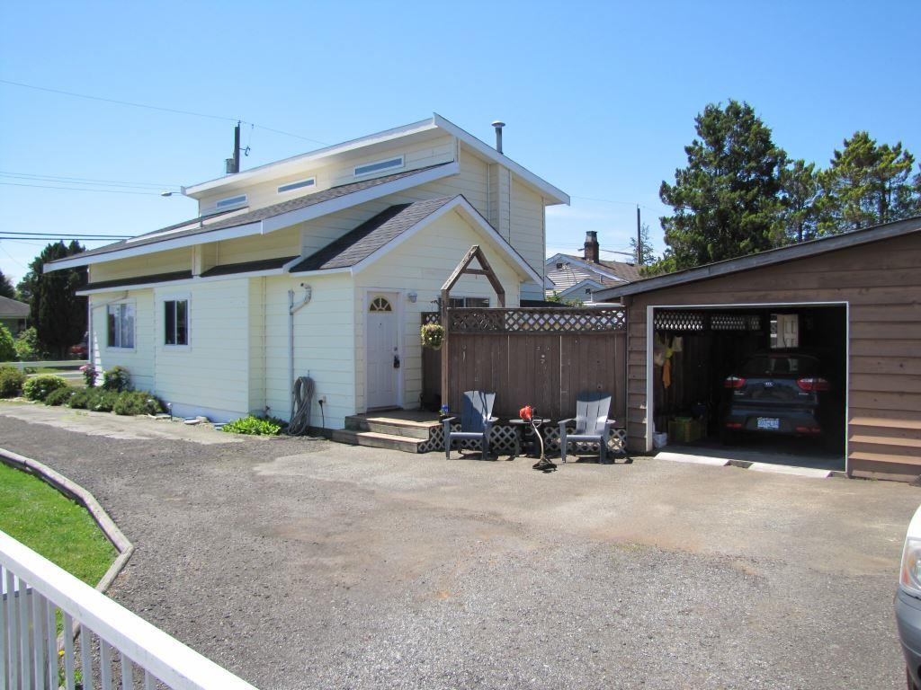 Detached at 17487 58A AVENUE, Cloverdale, British Columbia. Image 3