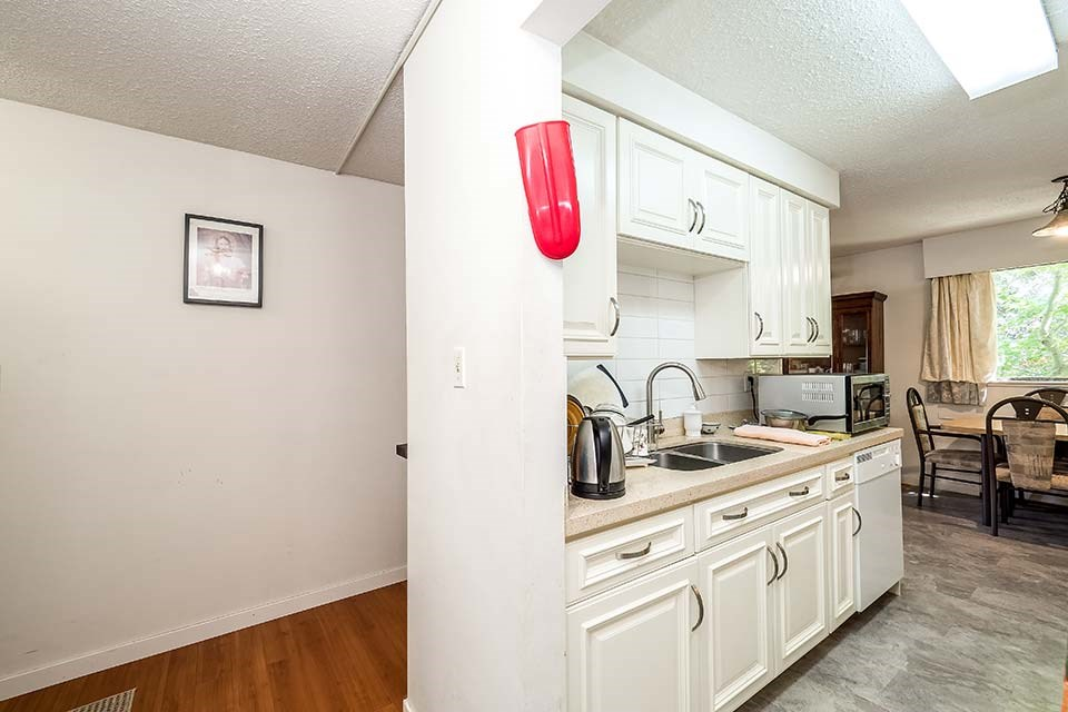 Condo Apartment at 101 441 E 3RD STREET, Unit 101, North Vancouver, British Columbia. Image 2