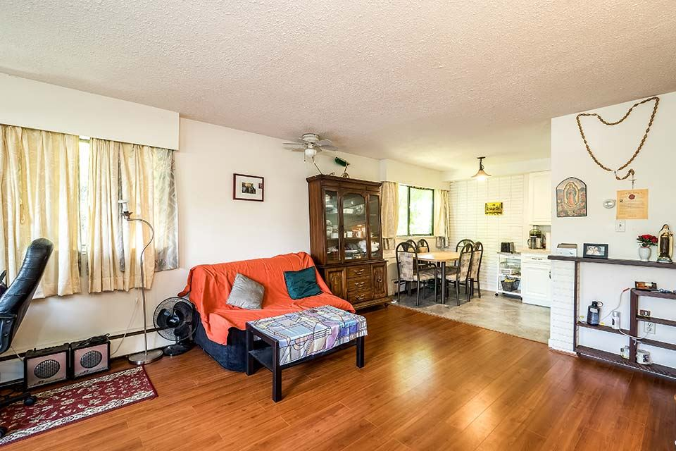Condo Apartment at 101 441 E 3RD STREET, Unit 101, North Vancouver, British Columbia. Image 4