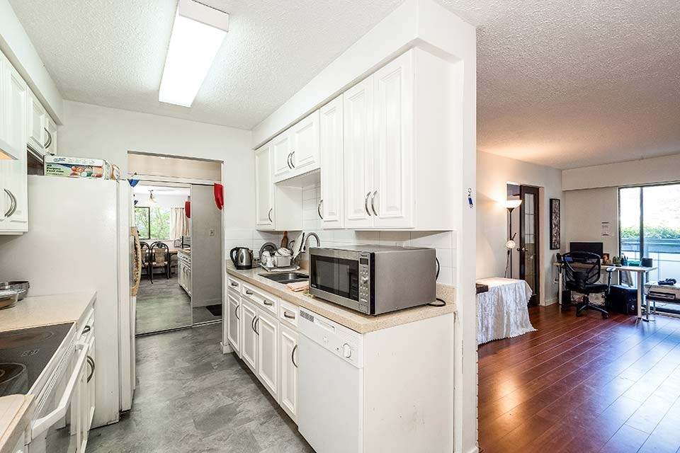 Condo Apartment at 101 441 E 3RD STREET, Unit 101, North Vancouver, British Columbia. Image 8