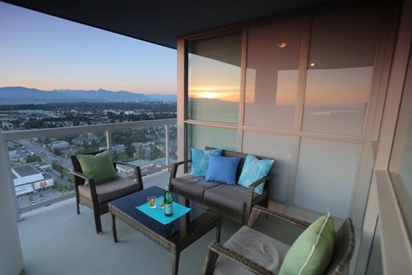Condo Apartment at 3402 11967 80TH AVENUE, Unit 3402, N. Delta, British Columbia. Image 3