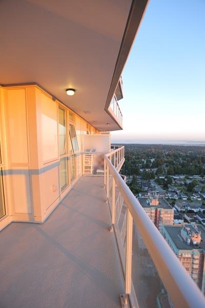 Condo Apartment at 3402 11967 80TH AVENUE, Unit 3402, N. Delta, British Columbia. Image 4