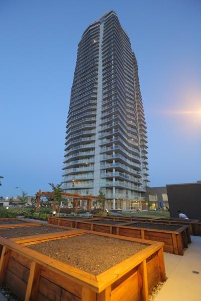 Condo Apartment at 3402 11967 80TH AVENUE, Unit 3402, N. Delta, British Columbia. Image 16