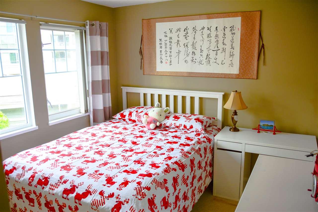 Condo Apartment at 313 3075 PRIMROSE LANE, Unit 313, Coquitlam, British Columbia. Image 3