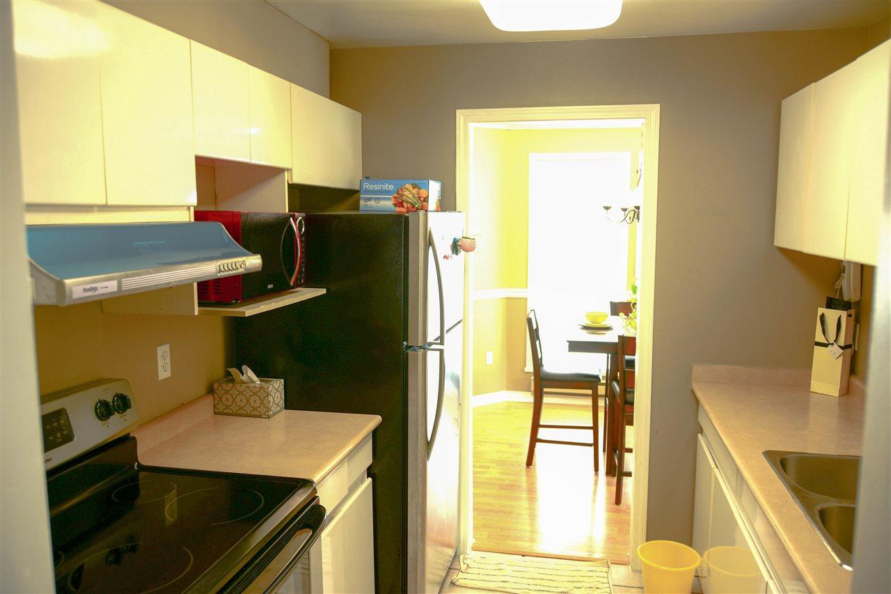 Condo Apartment at 313 3075 PRIMROSE LANE, Unit 313, Coquitlam, British Columbia. Image 9