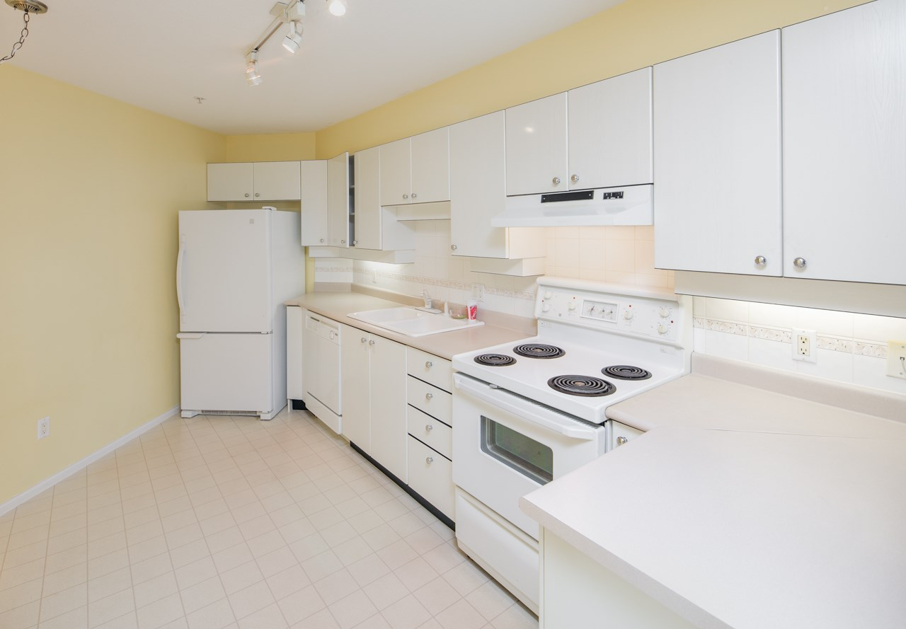 Condo Apartment at 349 5888 DOVER CRESCENT, Unit 349, Richmond, British Columbia. Image 7