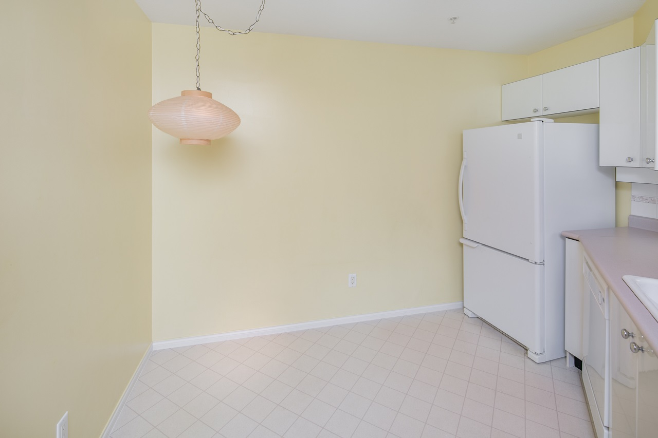 Condo Apartment at 349 5888 DOVER CRESCENT, Unit 349, Richmond, British Columbia. Image 9