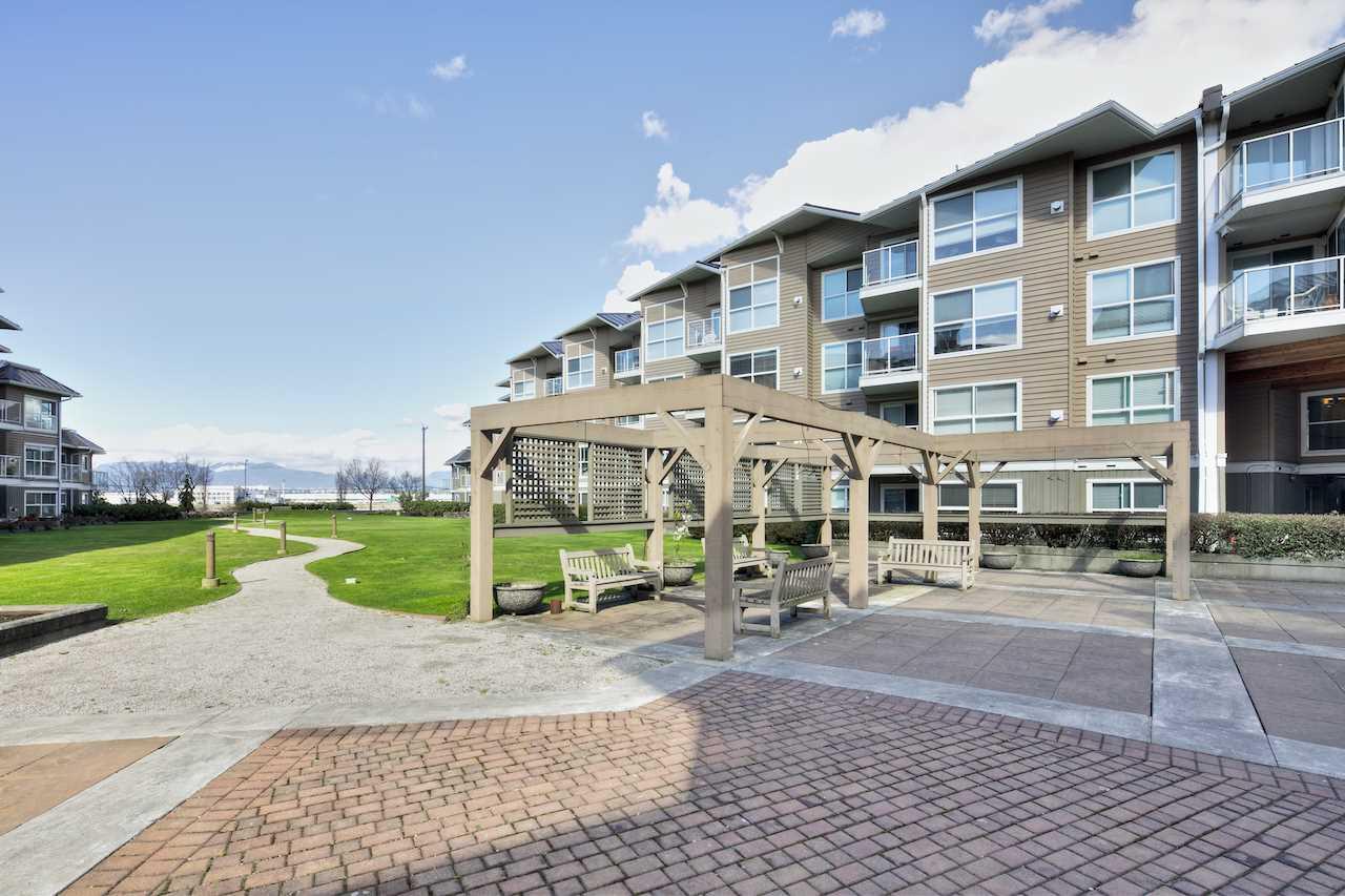 Condo Apartment at 349 5888 DOVER CRESCENT, Unit 349, Richmond, British Columbia. Image 17
