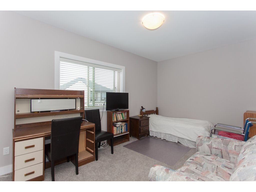 Detached at 32623 LISSIMORE AVENUE, Mission, British Columbia. Image 15