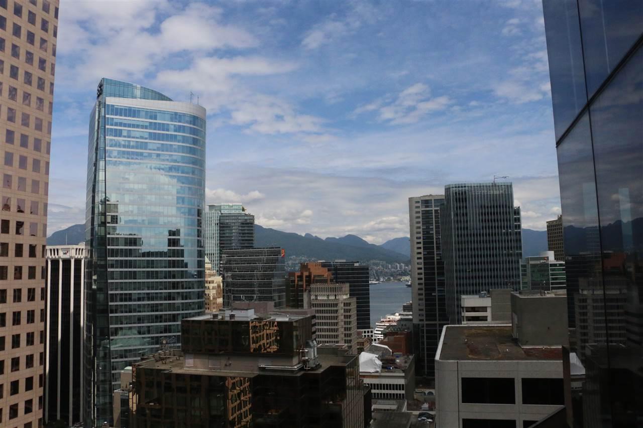 Condo Apartment at 2002 667 HOWE STREET, Unit 2002, Vancouver West, British Columbia. Image 3