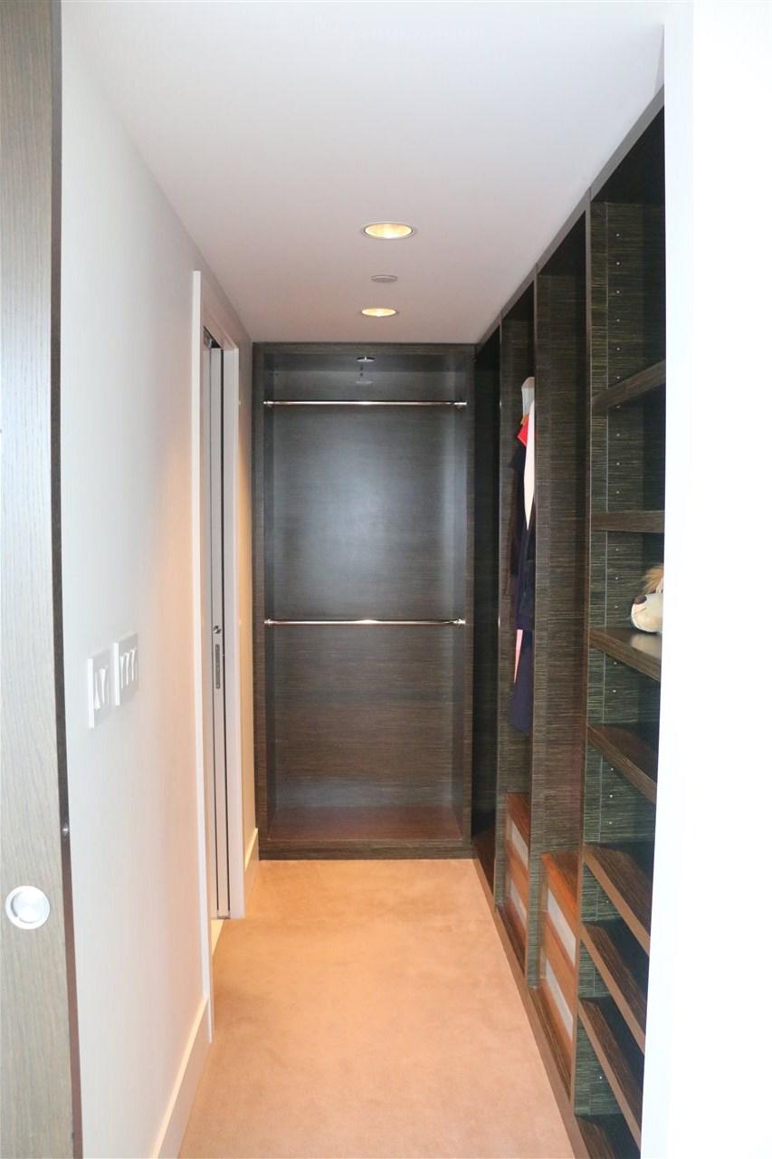 Condo Apartment at 2002 667 HOWE STREET, Unit 2002, Vancouver West, British Columbia. Image 14