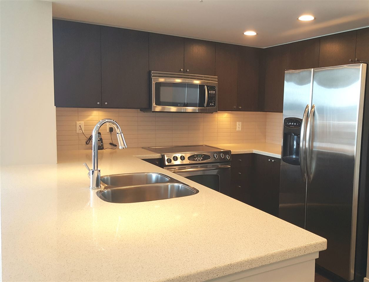 Condo Apartment at 2005 4400 BUCHANAN STREET, Unit 2005, Burnaby North, British Columbia. Image 5