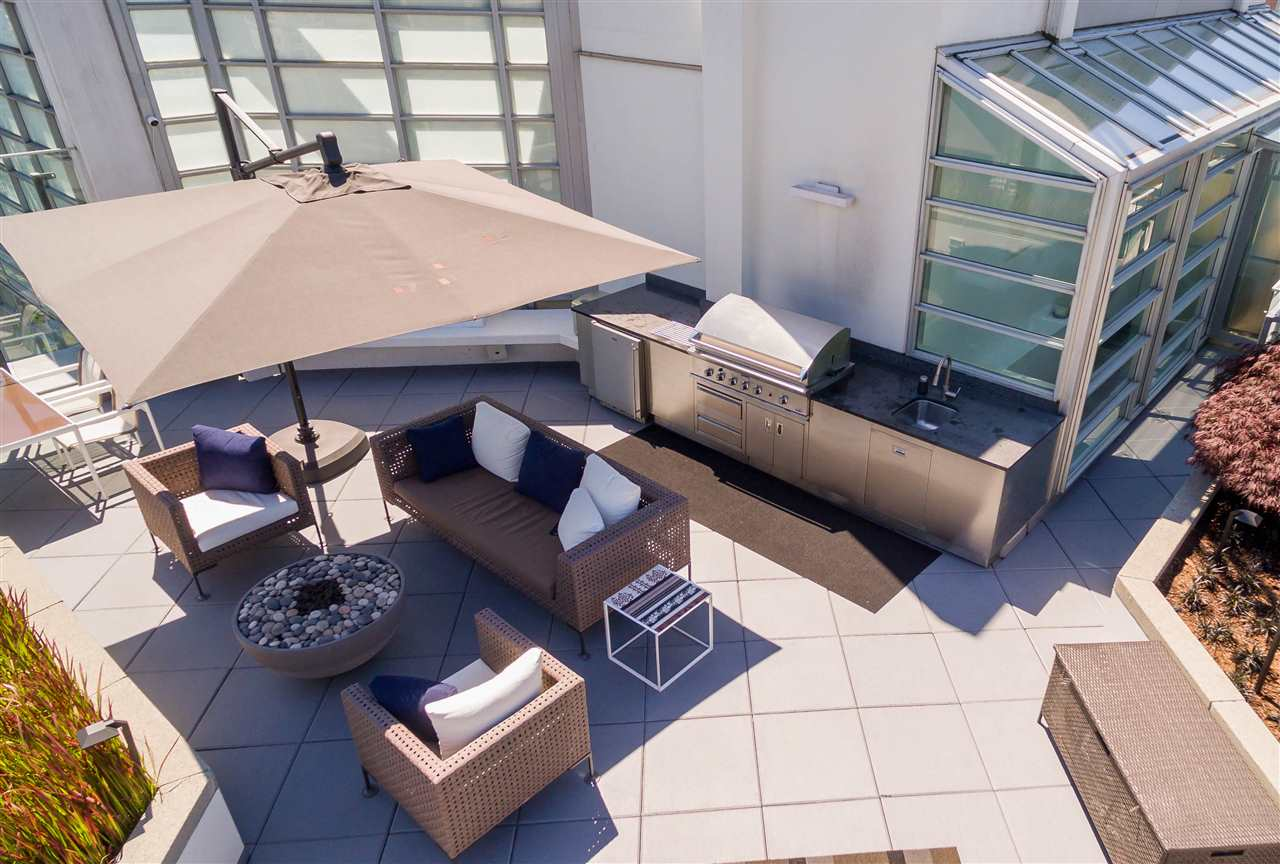 Condo Apartment at 2902 565 SMITHE STREET, Unit 2902, Vancouver West, British Columbia. Image 1